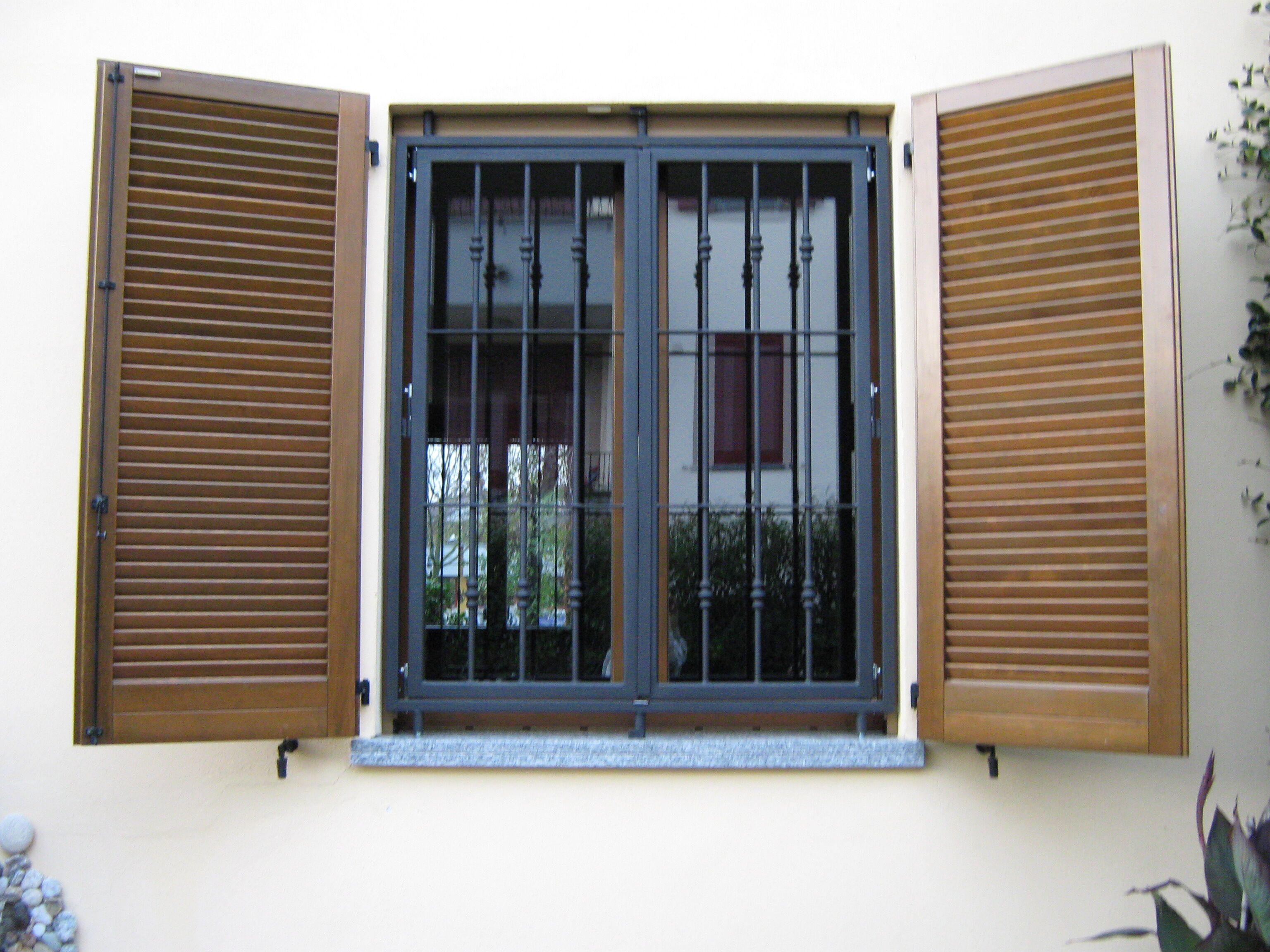 Sicurezza archivi gi ma - Grate di sicurezza per finestre prezzi ...